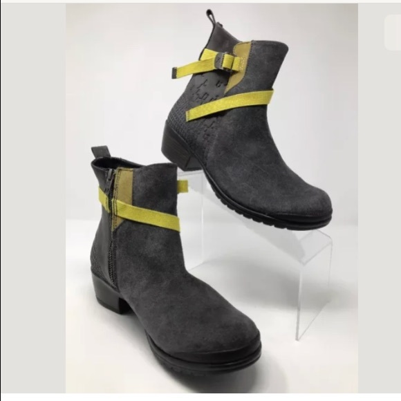 4a69f2817c8 KEEN Women's Morrison Suede Ankle Boot Grey Yellow